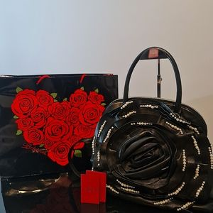 🖤❤Gorgeous❤🖤 Valentino Garavani Rose Pearl Leather Bag